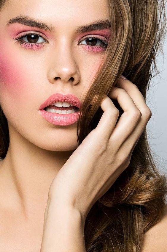 5 makijażowych trendów, na punkcie których wiosną zwariują wszystkie dziewczyny