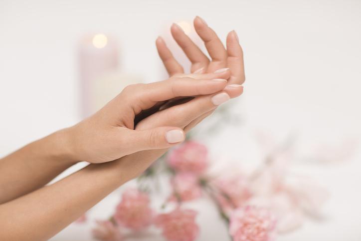 To musisz wiedzieć, zanim sięgniesz po żel antybakteryjny do dłoni. Ekspertka ostrzega