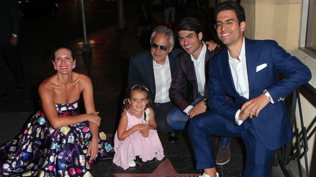 Andrea Bocelli z rodziną